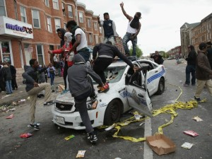 baltimore-riot-police-car-AFP-640x480